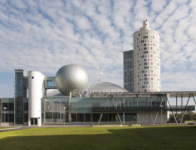 Modern science center building and Tigutorn Tower in Tartu, Estonia, Europe — Fotografia de Stock