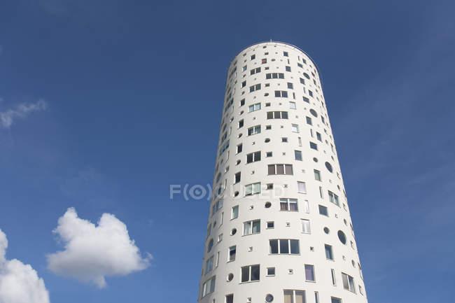 Low angle view of Tigutorn Tower against blue sky in Tartu, Estonia, Europe - foto de stock