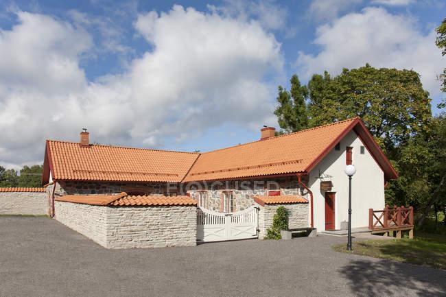 Ворота в поместье Вихула, Лане-Виру, Эстония — стоковое фото