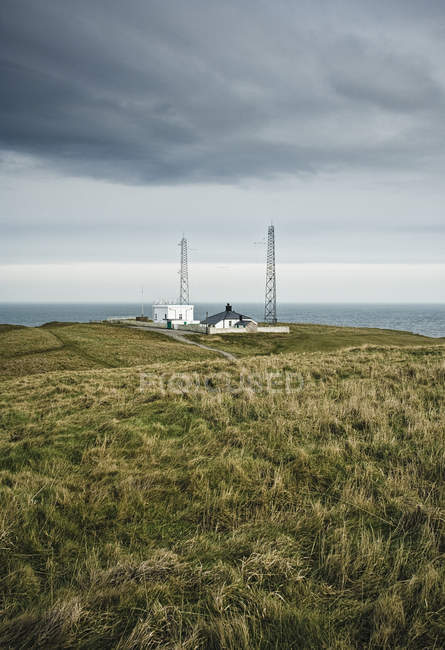 Outpost on sea cliffs, Flamborough Head, Yorkshire, Regno Unito — Foto stock
