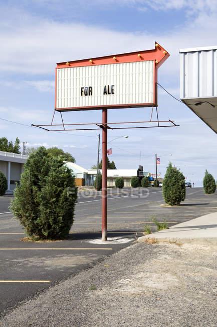 Для продажу вулиці знак, електричне місто, Вашингтон, США — стокове фото