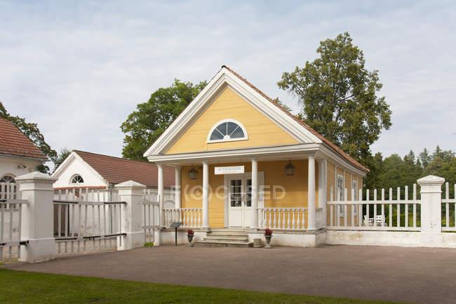Edifício antiquado em Palmse Manor, Laane-Viru, Estónia — Fotografia de Stock