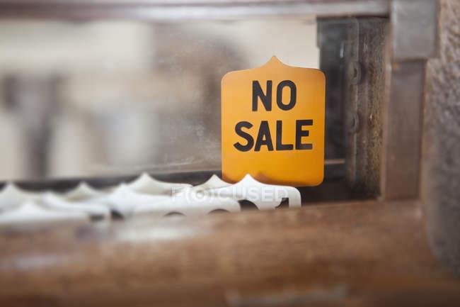 Античний касовий регістр і не продається знак, Cerrillos, Нью-Мексико, Сполучені Штати — стокове фото