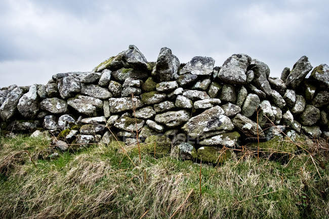 Partially collapsed dry stone wall, Cornwall, England, United Kingdom. — Stock Photo