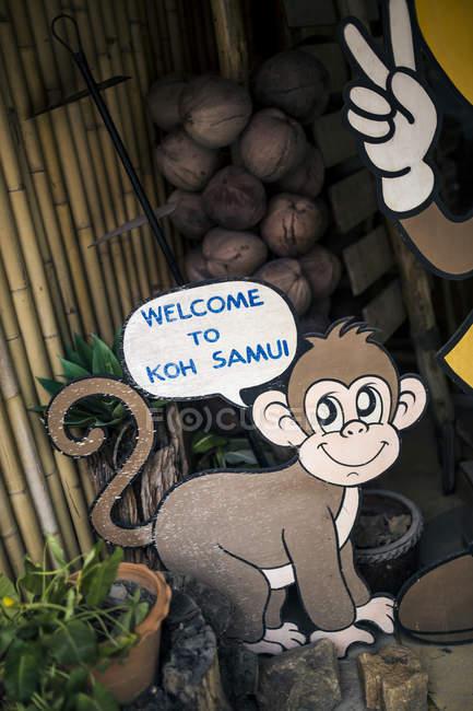 Зібрання знака, що вітає Кох Самуї біля Великого Будди в Таїланді.. — стокове фото