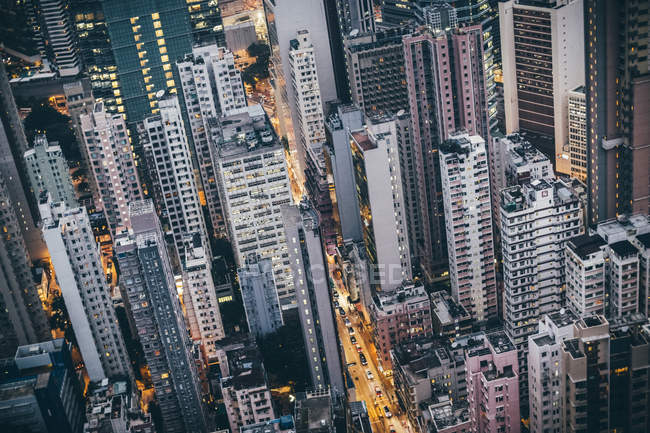 Високий кут над густим пейзажем з високими хмарочосами (Гонконг, Китай). — стокове фото