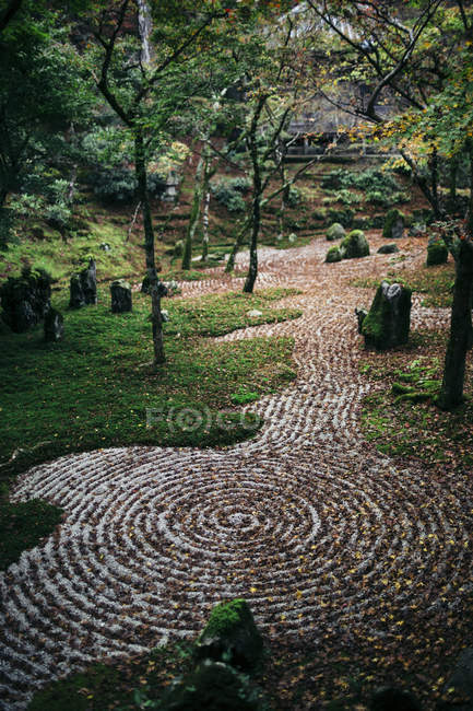 Gravel path with concentric pattern at zen rock garden, Japan — Stock Photo