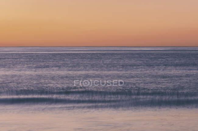 Oceano, vista verso l'orizzonte sulla superficie dell'acqua . — Foto stock