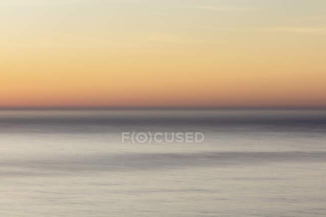Erstaunliche natürliche Ansicht der Meereslandschaft abstrakt im Morgengrauen — Stockfoto