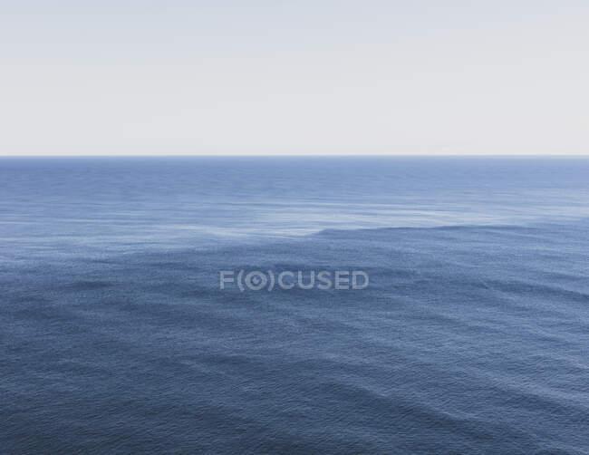 Vue de l'océan, de l'horizon et du ciel au crépuscule, côte nord de l'Oregon — Photo de stock