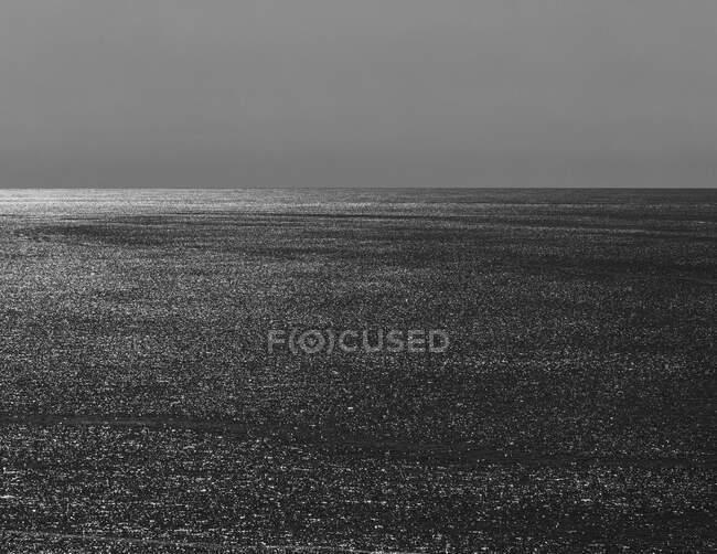 Море, обрій і небо в сутінках, північне узбережжя штату Орегон. — стокове фото