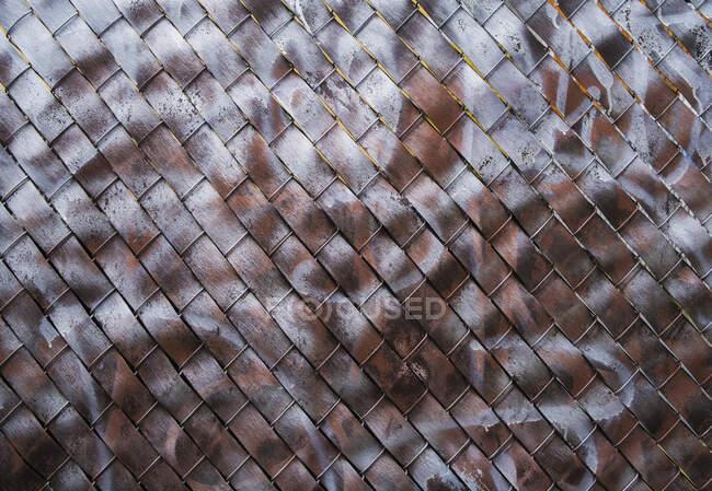 Деталь граффити краска покрытие цепи звено забора — стоковое фото