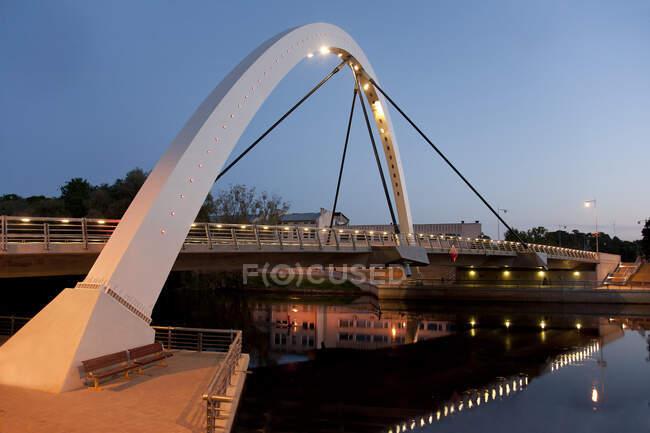 Estonian Bridge and Archway at Dusk — Stock Photo