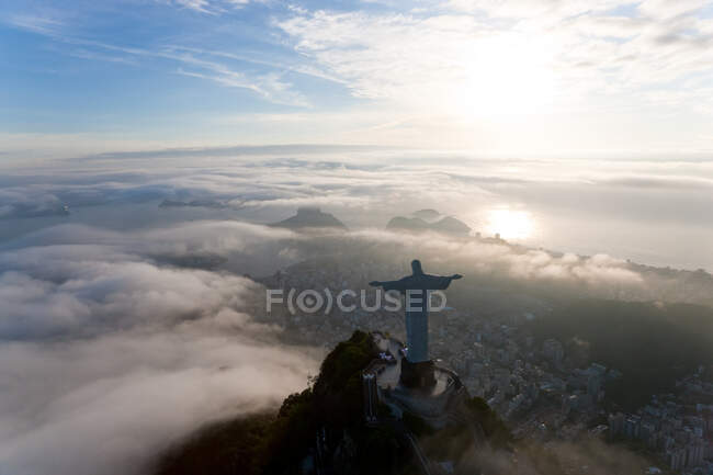 View of the Art Deco statue of Christ the Redeemer on Corcovado mountain in Rio de Janeiro, Brazil. — Stock Photo