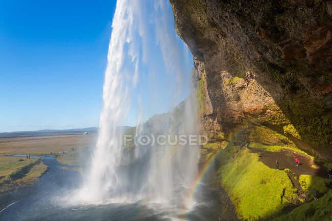 La spectaculaire cascade Seljalandsfoss, au sud de l'Islande — Photo de stock