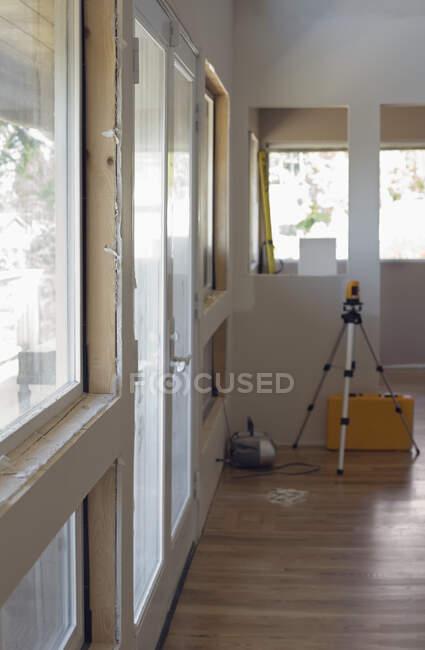 На будівельному майданчику прикрашають кімнату.. — стокове фото