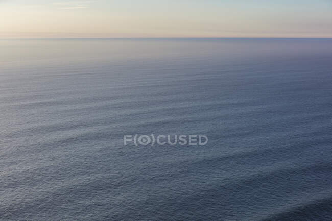 Огромный океан и небо в сумерках, Манзанита, Орегон — стоковое фото