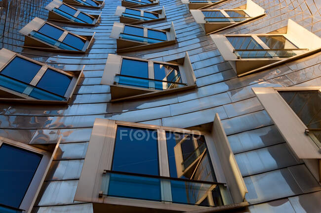 The Neuer Zollhof building by Frank Gehry at the Medienhafen or Media Harbour, Dusseldorf, Germany. — Stock Photo