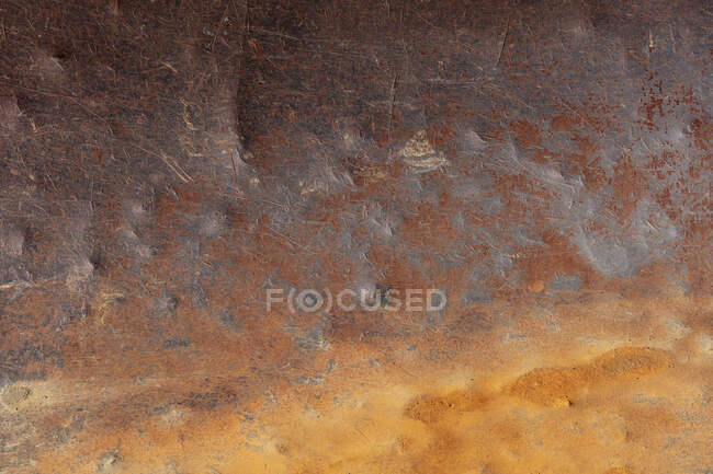Іржавий і зношений металевий лист, корозія.. — стокове фото