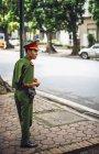 Officier de la police à Hanoï — Photo de stock