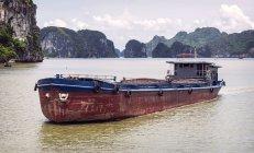 Floating boat in Ha Long Bay — Stock Photo