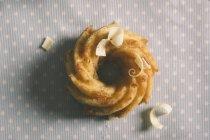 Donut mit Schokoraspeln — Stockfoto