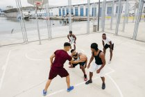 Kick start basketball game — Stock Photo