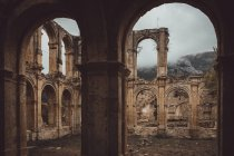Руїни старого монастиря — стокове фото