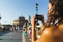 Foto de mujer teniendo de turismo - foto de stock
