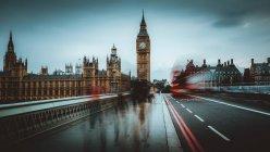 Torretta di orologio famosa in città — Foto stock
