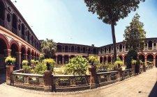 Yard of Convent of Santo Domingo in Lima, Peru. — Stock Photo
