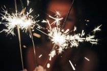 Brilhantes de iluminação à noite — Fotografia de Stock