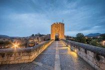 View of the medieval bridge of Besalu. Girona, Spain. — Stock Photo