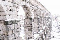 Екстер'єр Акведук у Сеговії зимовий день — стокове фото