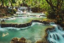 Beautiful small ponds with waterfalls cascade — Stock Photo
