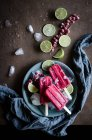 From above view of popsicle on plate — Stock Photo