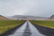 Route de gravier de campagne — Photo de stock
