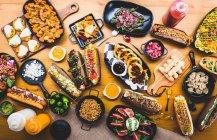 Collations et plats servis — Photo de stock