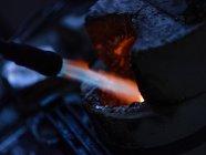 Nahaufnahme von Metall Heizung auf Schmuck factory — Stockfoto