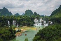 Impresionante cascada de la cascada china Detian, Guangxi, China - foto de stock