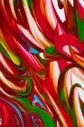Bunte Pinselstriche von Acrylfarben auf weißer Leinwand — Stockfoto