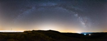 Panoramic view of night sky with majestic Milky way - foto de stock