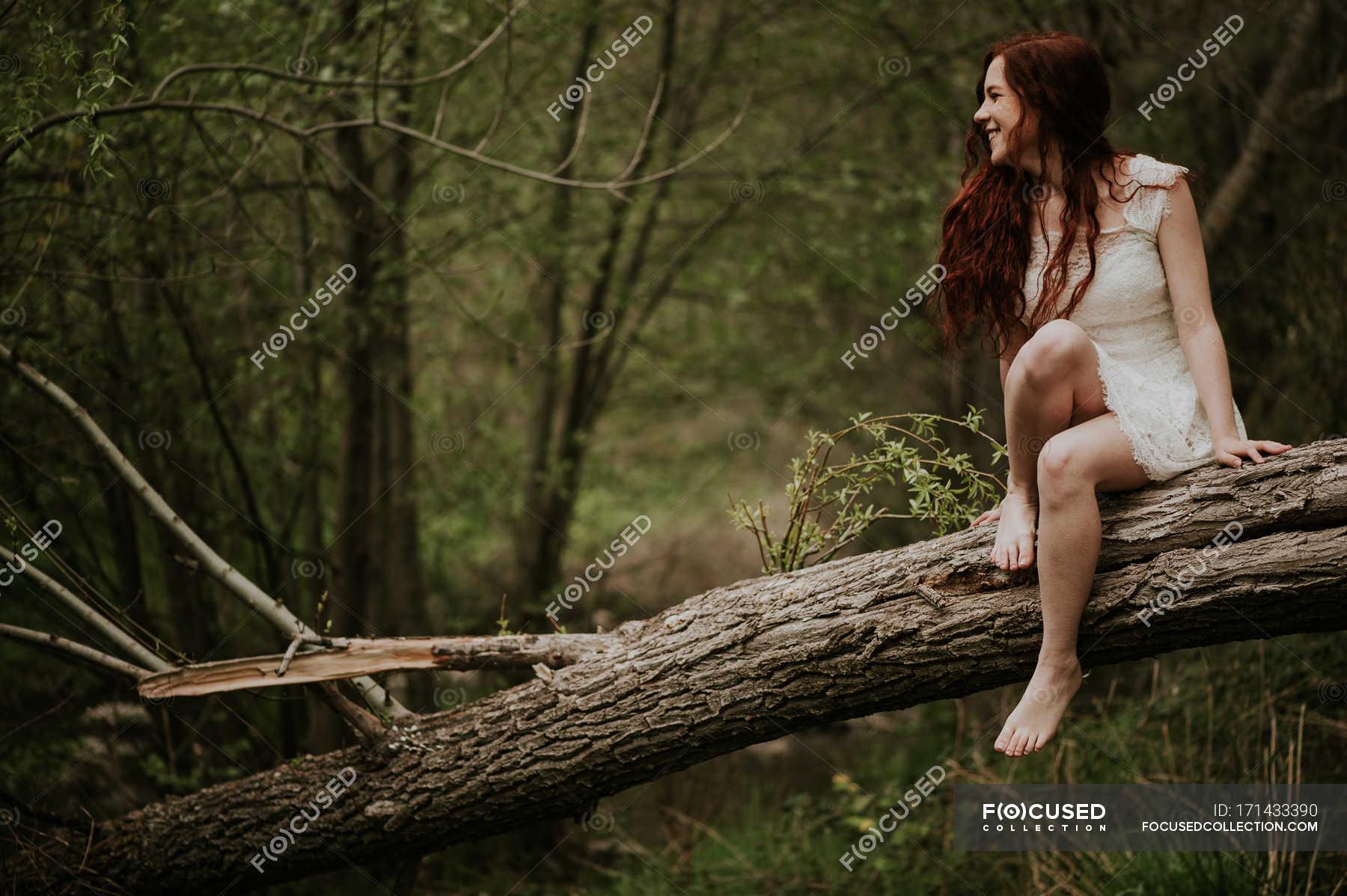 https://st.focusedcollection.com/9163412/i/1800/focused_171433390-stock-photo-cheerful-girl-white-dress-sitting.jpg