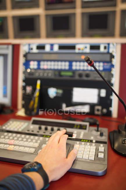 Equipamento de estúdio de tv profissional — Fotografia de Stock