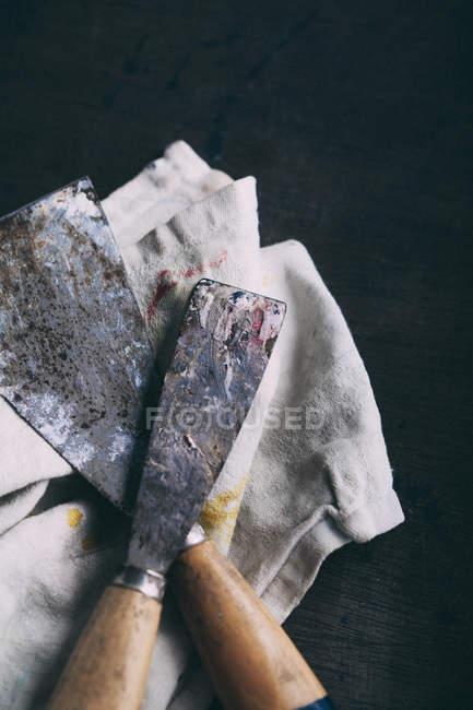 Espátulas de gasto com pano sujo — Fotografia de Stock