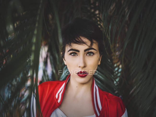 Attractive young brunette woman — Stock Photo