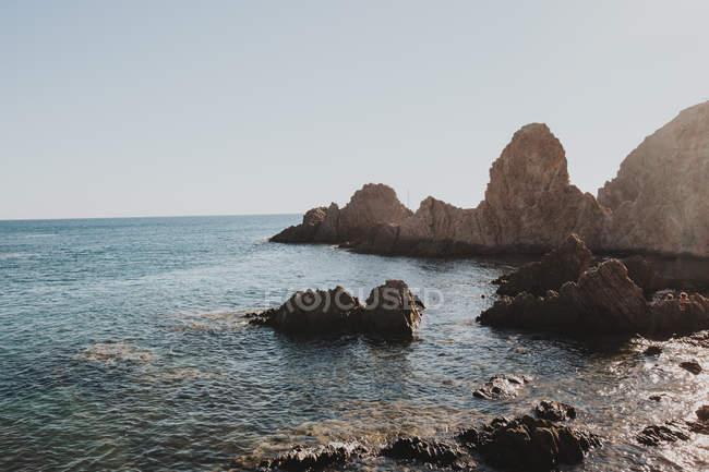 Прекрасний сонячний морський пейзаж — стокове фото