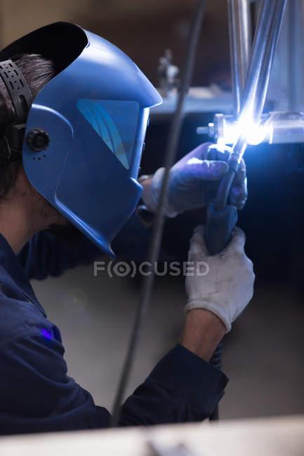 Worker welding bar detail — Stock Photo