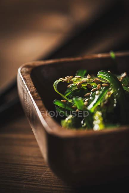 Salat mit Algen und Sesam — Stockfoto
