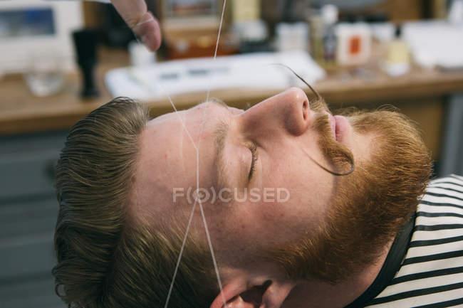 Традиционные лицевые волос резьбы — стоковое фото
